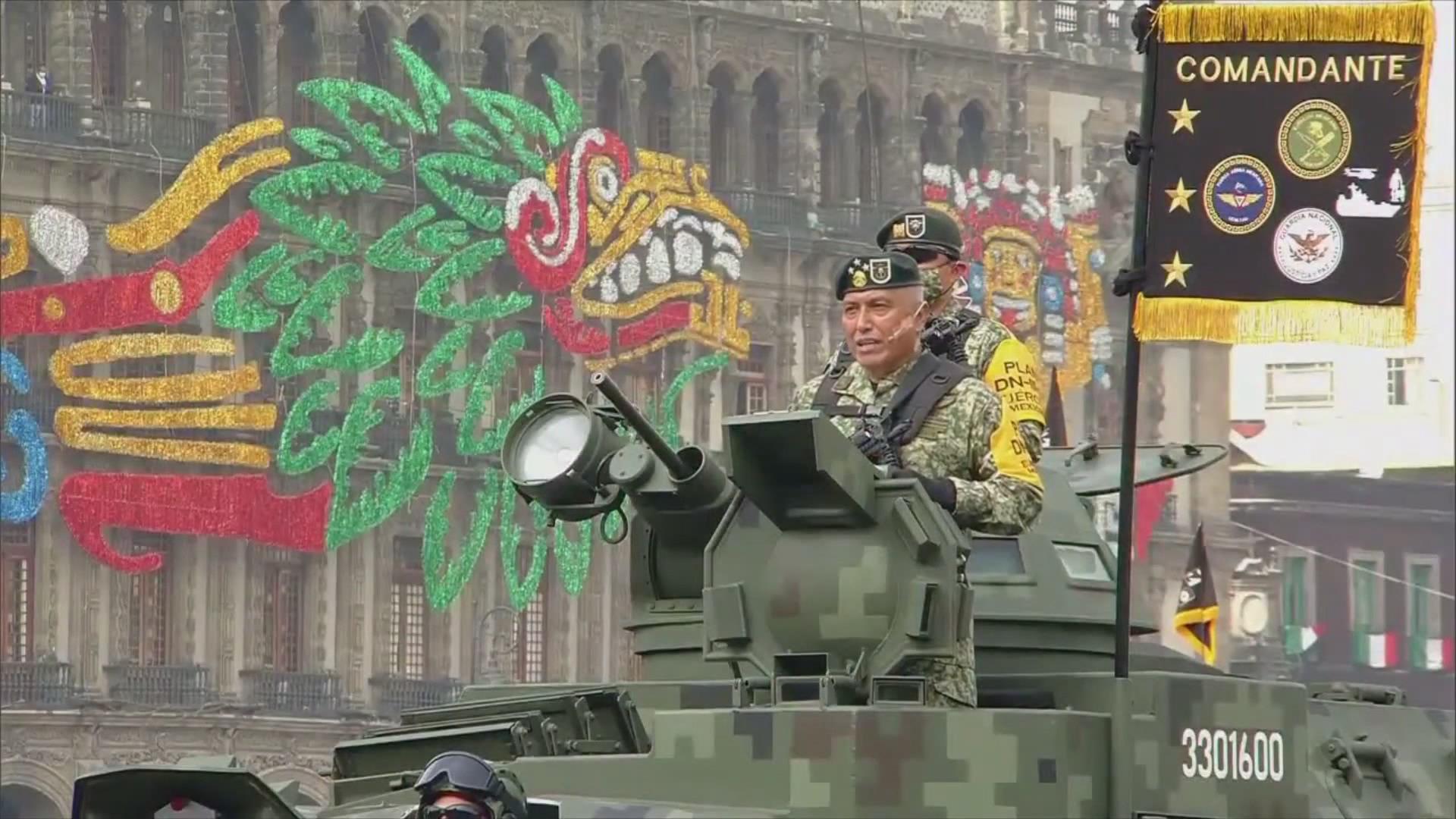 México conmemora inicio de gesta independentista con tradicional desfile militar