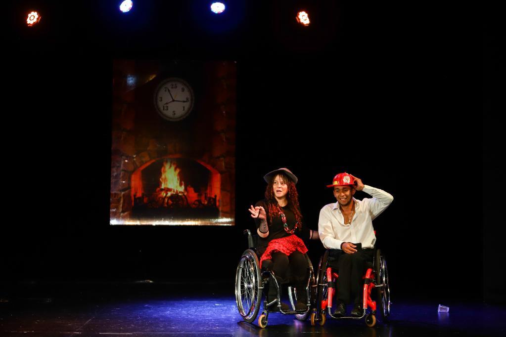 """Colombia: Ensayo de obra """"La Cantante Calva"""" en teatro Belarte"""