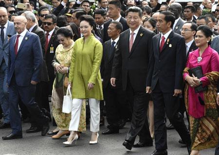 Xi participa en paseo conmemorativo de Bandung junto con dirigentes de Asia y Africa